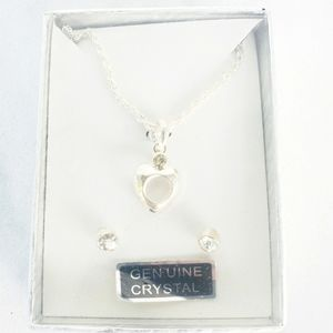 #985 New Silver Crystal Heart Necklace Earring Set